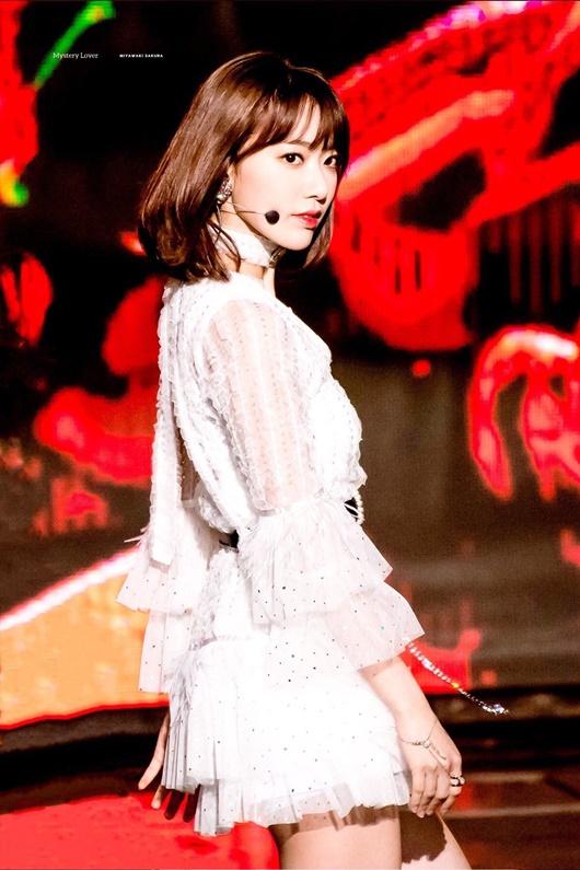 """Sự tiến bộ vượt bậc của nữ idol có gương mặt đẹp thứ 2 châu Á từng bị chê """"nhảy như giun"""" - Ảnh 10"""