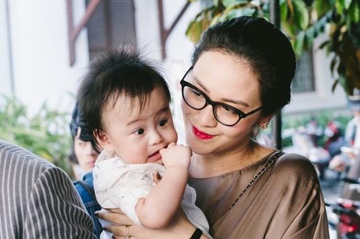 """Nhan sắc như hoa hậu và gia thế """"khủng"""" của vợ nhạc sĩ Thanh Bùi - Ảnh 3"""