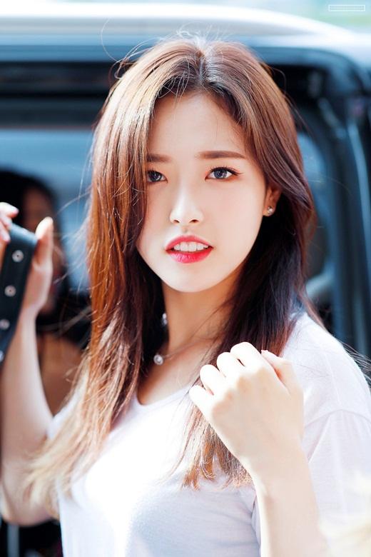 Nữ idol sinh năm 2001 được debut chỉ sau 1 ngày, nhanh nhất lịch sử Kpop - Ảnh 3