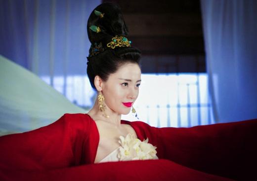 """Top mỹ nhân cổ trang Hoa ngữ: Trương Thiên Ái - Nàng thái tử phi """"nhà nghèo, thiếu vải"""" vẫn đủ sức khuynh đảo màn ảnh - Ảnh 2"""