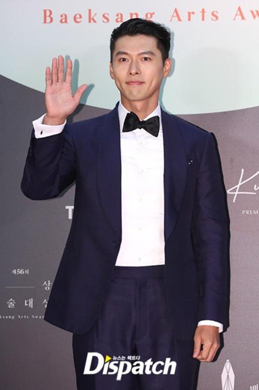 """Cặp đôi """"Hạ cánh nơi anh"""" trên thảm đỏ: Hyun Bin bảnh bao, Son Ye Jin gợi cảm hết nấc nhưng vẫn lộ khuyết điểm - Ảnh 3"""
