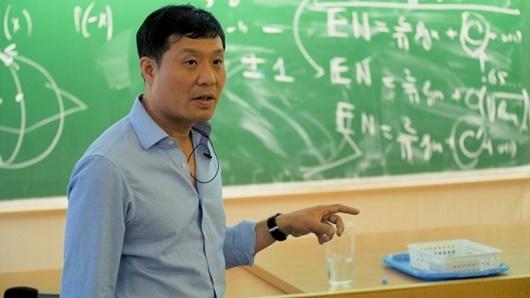 Giáo sư người Việt Vũ Hà Văn được Viện Toán thống kê bầu là Fellows xuất sắc năm 2020 - Ảnh 1