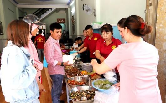 Quán cơm Tình thương ở Lâm Đồng - Ảnh 1