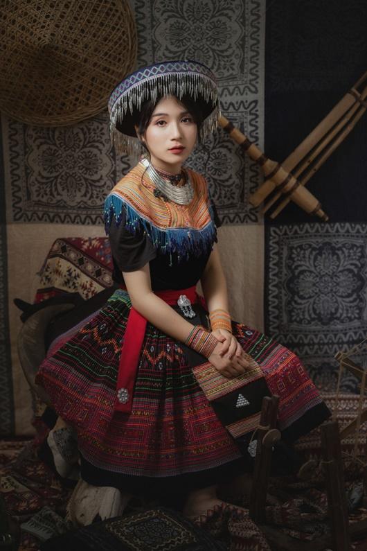 """Teen Cao Bằng chi 11 triệu chụp ảnh kỷ yếu đậm chất dân tộc, nhận """"bão like"""" từ cộng đồng mạng - Ảnh 7"""