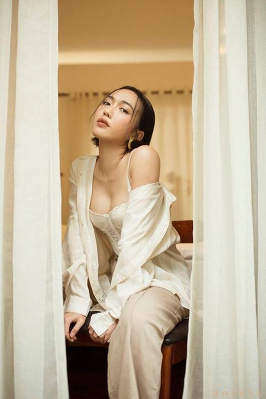 """Từ ngày """"chị chị em em"""" với Ngọc Trinh, Diệu Nhi không chỉ nâng tầm thời trang mà body cũng hot quá đây này - Ảnh 6"""