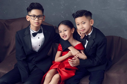"""Hoa hậu Hà Kiều Anh khoe ảnh gia đình quyền quý, sang trọng """"hết phần thiên hạ"""" nhân kỷ niệm 13 năm ngày cưới - Ảnh 7"""