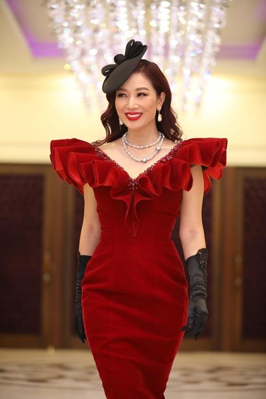 Nhan sắc mặn mà, đằm thắm nhiều người ngưỡng mộ ở tuổi 41 của á hậu Thu Hương - Ảnh 10
