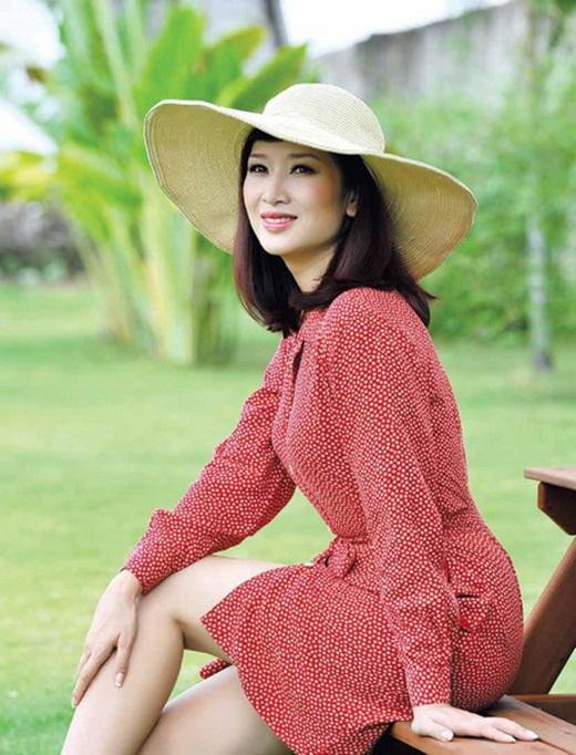 Nhan sắc mặn mà, đằm thắm nhiều người ngưỡng mộ ở tuổi 41 của á hậu Thu Hương - Ảnh 2