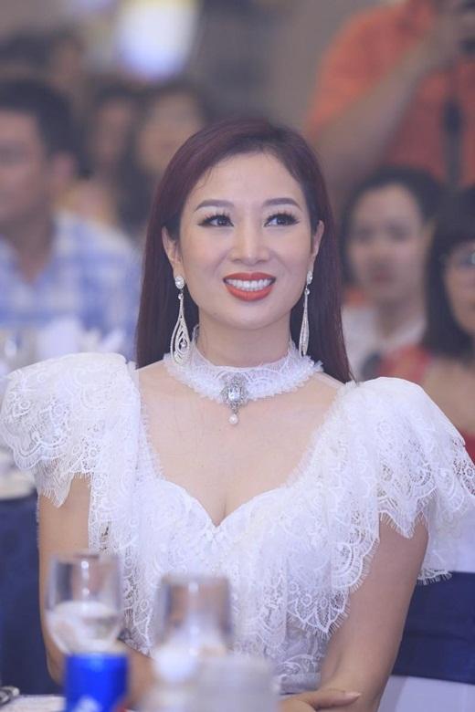 Nhan sắc mặn mà, đằm thắm nhiều người ngưỡng mộ ở tuổi 41 của á hậu Thu Hương - Ảnh 3