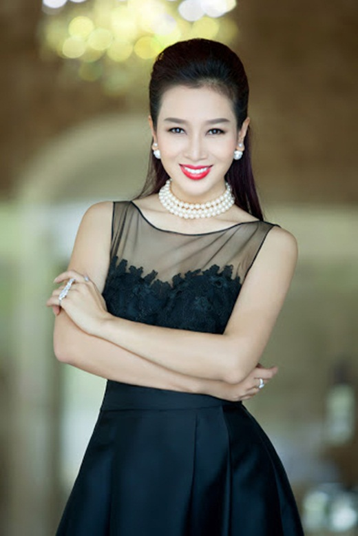 Nhan sắc mặn mà, đằm thắm nhiều người ngưỡng mộ ở tuổi 41 của á hậu Thu Hương - Ảnh 4