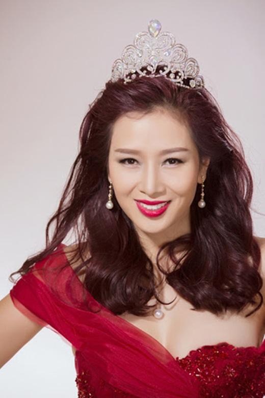 Nhan sắc mặn mà, đằm thắm nhiều người ngưỡng mộ ở tuổi 41 của á hậu Thu Hương - Ảnh 6
