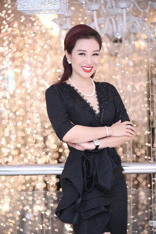 Nhan sắc mặn mà, đằm thắm nhiều người ngưỡng mộ ở tuổi 41 của á hậu Thu Hương - Ảnh 9