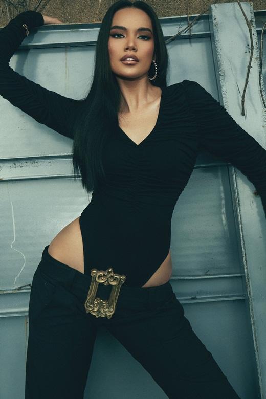 Top 10 Hoa hậu Hoàn vũ Việt Nam Lê Hoàng Phương khoe chân dài miên man, body cực chuẩn - Ảnh 2