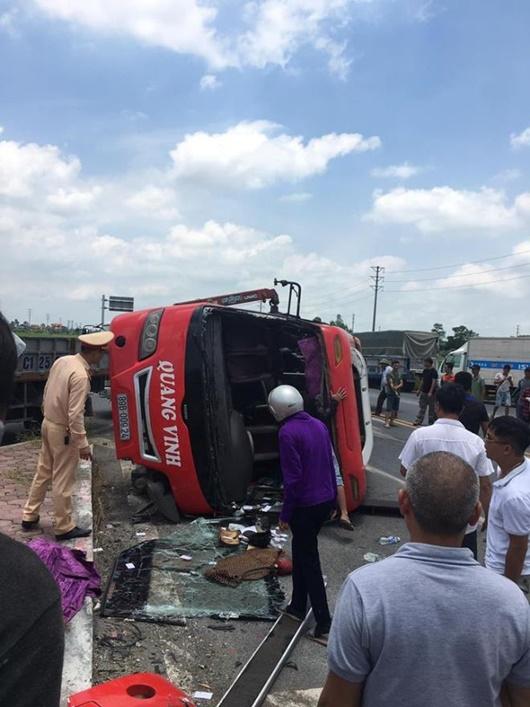 Hưng Yên: Xe đầu kéo va chạm xe khách, 2 người tử vong - Ảnh 1