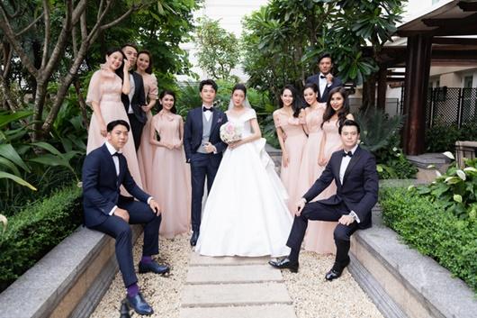 Hình ảnh ngọt ngào quá đỗi trong đám cưới của á hậu Thúy Vân và chồng điển trai Nhật Vũ - Ảnh 1