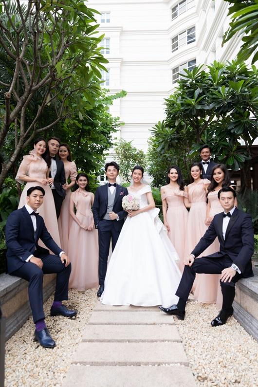 Hình ảnh ngọt ngào quá đỗi trong đám cưới của á hậu Thúy Vân và chồng điển trai Nhật Vũ - Ảnh 2