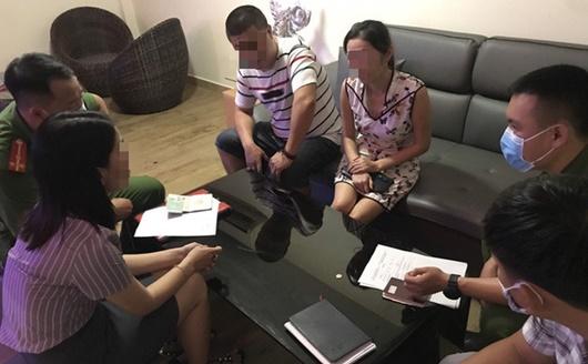 Phát hiện 5 người Trung Quốc nhập cảnh trái phép trốn trong quán trà sữa ở Đà Nẵng - Ảnh 1