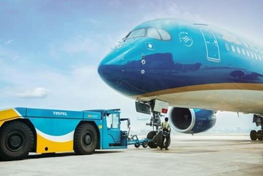 """""""Siêu máy bay"""" Airbus A350-900 bị mắc kẹt, sân bay Nội Bài bị đình trệ - Ảnh 1"""