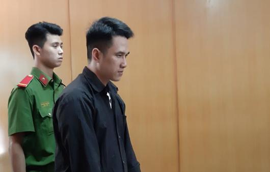 Cha bất hạnh cạn nước mắt trong phiên tòa xử nghịch tử sát hại 3 người thân - Ảnh 1