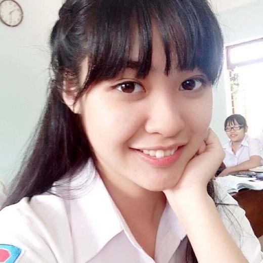"""Thí sinh Hoa hậu Việt Nam 2020 khiến dân tình """"phát cuồng"""" vì vẻ đẹp Tây cực phẩm, thành tích """"con nhà người ta"""" - Ảnh 7"""