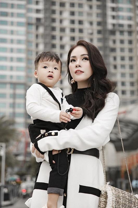 Dương Cẩm Lynh: Cái tôi nghệ sĩ trong góc khuất hôn nhân và chuyện dứt áo ra đi với hai bàn tay trắng - Ảnh 2