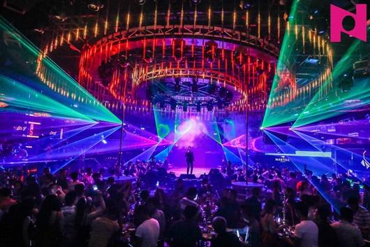 Quảng Ninh tạm đóng cửa quán bar, karaoke, vũ trường từ 0h ngày 1/8 - Ảnh 1