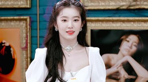 """Visual của Irene ở MV """"Monster"""" khiến fan Kpop phải thốt lên: """"Công chúa giá đáo"""" - Ảnh 7"""