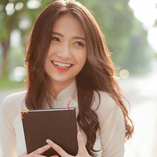 """Thí sinh Hoa hậu Việt Nam 2020 có """"profile không phải dạng vừa"""": Từng làm ở VTV, đóng """"Về nhà đi con"""" - Ảnh 4"""