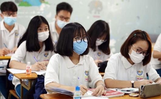 Khuyến cáo của Thứ trưởng bộ Y tế về kỳ thi tốt nghiệp THPT: Không bật điều hoà, mở cửa sổ phòng thi - Ảnh 1