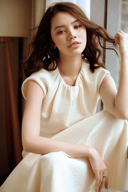 """Xôn xao tin Jolie Nguyễn được cầu hôn bằng nhẫn kim cương """"khủng"""" sau ồn ào scandal - Ảnh 3"""