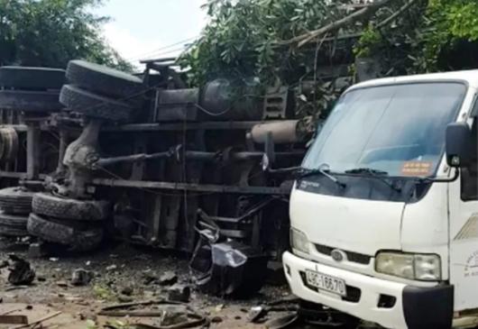 Lâm Đồng: Xe tải mất lái tông người đứng trên vỉa hè tử vong - Ảnh 1