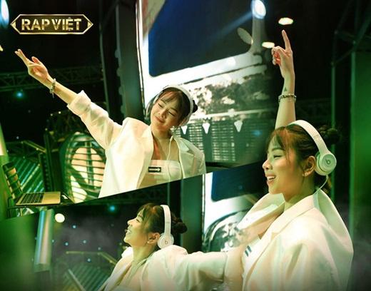 Hé lộ về nữ DJ hot nhất Rap Việt: Nhan sắc như búp bê, thân hình bốc lửa - Ảnh 1