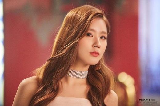 Nhan sắc nữ idol gây chao đảo mạng xã hội những ngày gần đây: Kpop vừa có thêm nữ thần mới - Ảnh 2