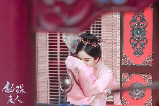 """Dương Mịch lộ tạo hình đẹp cực phẩm trên phim trường """"Hộc Châu phu nhân"""" nhưng dân mạng vẫn thấy """"sai sai"""" - Ảnh 8"""