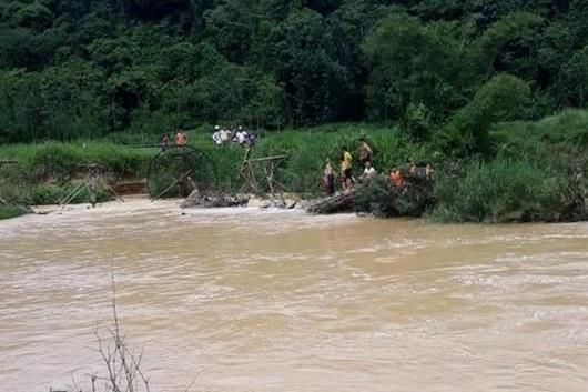 Thanh Hóa: Nữ sinh 14 tuổi bị lũ cuốn khi qua cầu tràn trong đêm - Ảnh 1