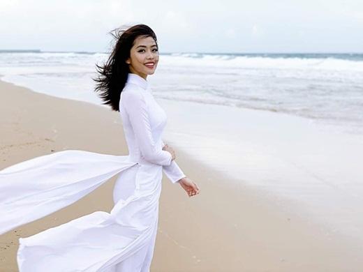 """Nữ BTV truyền hình thi Hoa hậu Việt Nam 2020: Nhan sắc rạng rỡ, múa dẻo, diễn thuyết """"thần sầu"""" - Ảnh 7"""