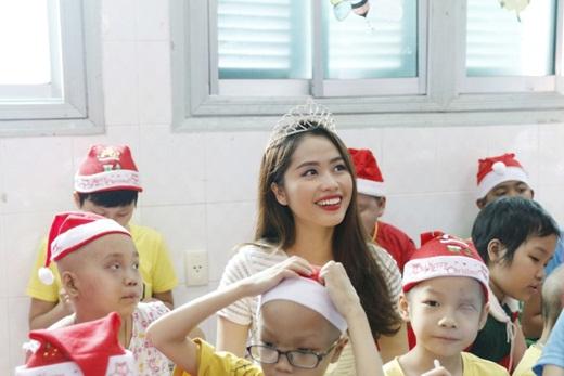 """Nữ BTV truyền hình thi Hoa hậu Việt Nam 2020: Nhan sắc rạng rỡ, múa dẻo, diễn thuyết """"thần sầu"""" - Ảnh 9"""