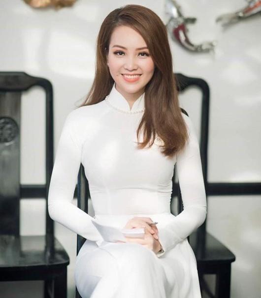 Á hậu Thụy Vân: Từ người đẹp ứng xử hay nhất tới BTV sắc sảo, thông minh trên sóng truyền hình - Ảnh 10