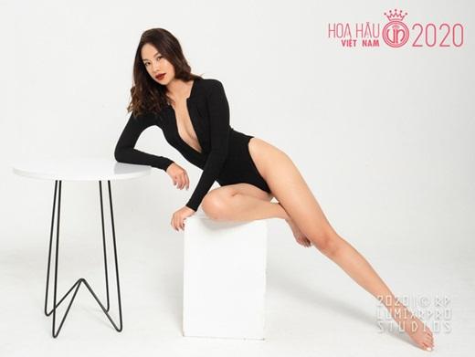 """Dàn thí sinh Hoa hậu Việt Nam 2020 diện bikini: Tạo dáng có lúc còn """"ngây ngô"""" nhưng đường cong thì siêu hút mắt - Ảnh 5"""