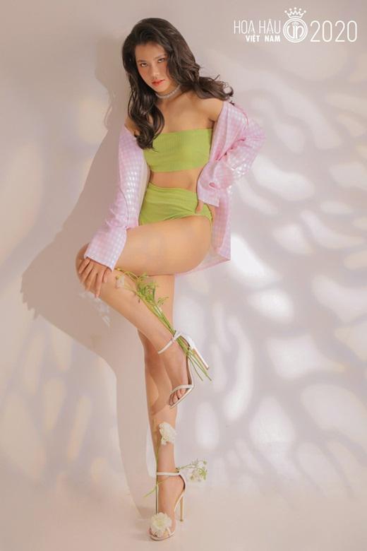 """Dàn thí sinh Hoa hậu Việt Nam 2020 diện bikini: Tạo dáng có lúc còn """"ngây ngô"""" nhưng đường cong thì siêu hút mắt - Ảnh 7"""
