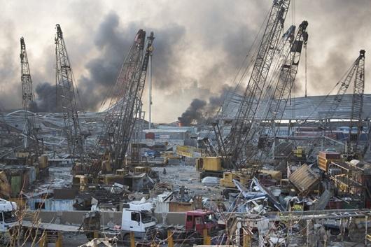 """Hiện trường vụ nổ khủng khiếp """"như bom nguyên tử"""" khiến thủ đô Lebanon chìm trong khói lửa - Ảnh 5"""