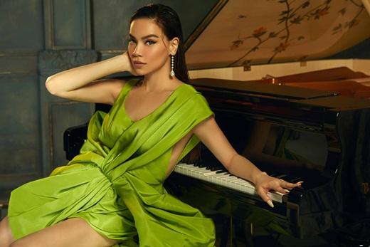 """""""Cô đào Hollywood"""" Nicole Richie """"đụng hàng"""" mỹ nhân Việt khi diện váy Công Trí lên thảm đỏ VMAs 2020 - Ảnh 10"""