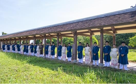 Lần đầu công bố trọn bộ hình ảnh cán bộ văn hóa Huế mặc áo dài ngũ thân - Ảnh 5