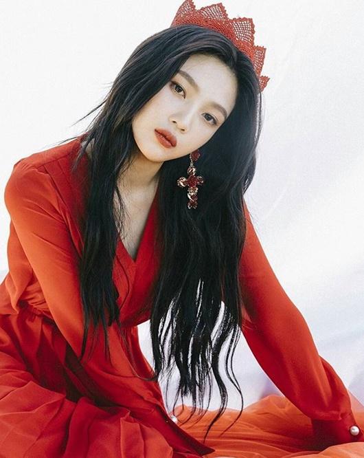 """Một nữ idol Kpop hợp với son đỏ đến nỗi fan chỉ muốn cô tô màu son này """"suốt đời"""" - Ảnh 6"""