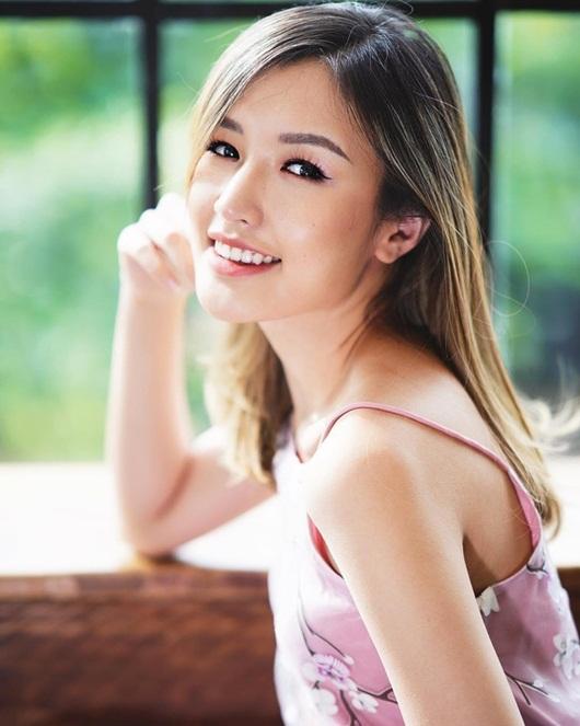 Nữ streamer xinh đẹp và phút đãng trí khiến cô phải trả giá bằng tiền mặt - Ảnh 3