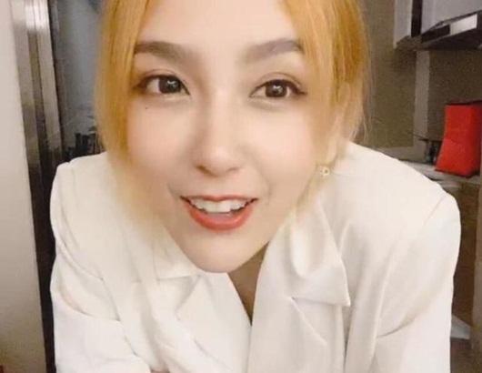 """Nữ streamer xinh đẹp bậc nhất xứ Trung """"xuề xòa"""" lên sóng gây hiệu ứng không ai ngờ tới - Ảnh 3"""