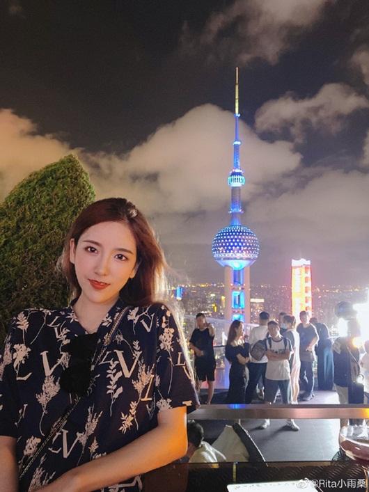 """Nữ streamer xinh đẹp bậc nhất xứ Trung """"xuề xòa"""" lên sóng gây hiệu ứng không ai ngờ tới - Ảnh 6"""