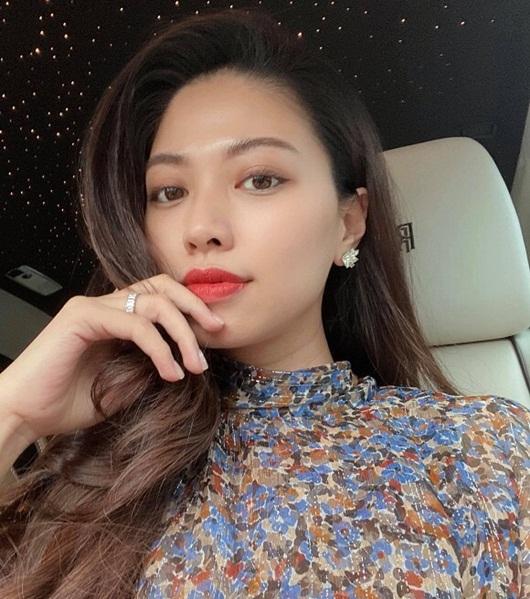 """BTV Ngọc Trinh tái xuất với bức ảnh thần thái ngút ngàn sau thời gian """"ở ẩn"""" - Ảnh 1"""