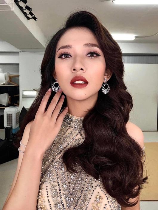 """Nữ sinh Hải Dương cao 1m77 ghi danh Hoa hậu Việt Nam 2020 từng tự ti vì ngoại hình """"to lớn"""" - Ảnh 4"""