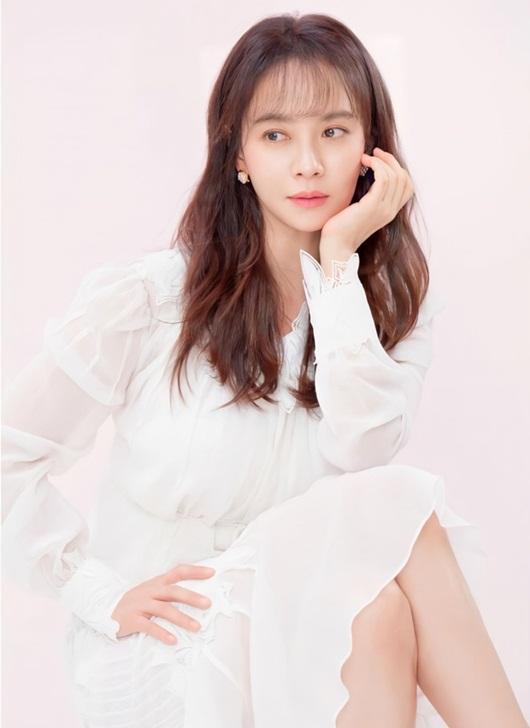 """Song Ji Hyo khiến dân tình """"xỉu ngang xỉu dọc"""" khi để mái thưa đẹp như thiếu nữ dù đã ngấp nghé 40 - Ảnh 1"""